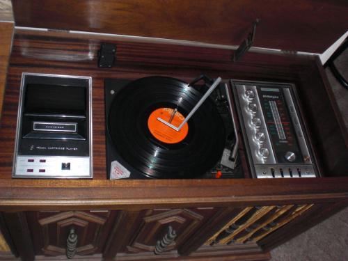 A vintage hi-fi console.