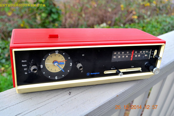 Retro Radio Farm Matador Red