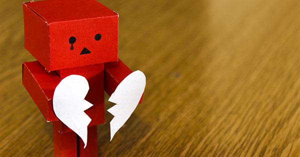 robot with broken heart-2x1