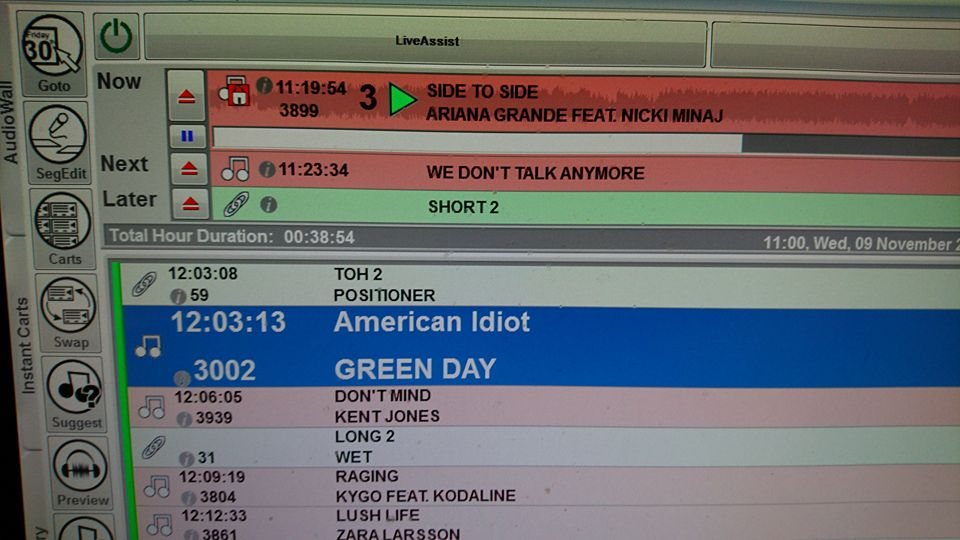 College radio playlist showing track title for American Idiot by @Tom_Levins