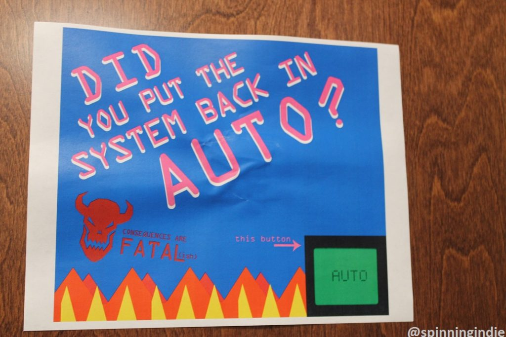 Sign reminding WNUW hosts to turn on automation system: AUTO. Photo: J. Waits