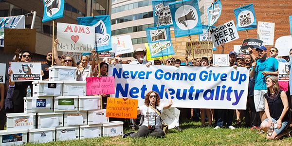 Net neutrality public comment feature image